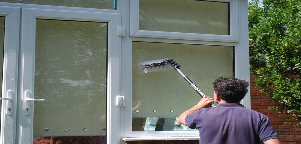How to clean windows for best window washing results jet - Best way to clean windows ...