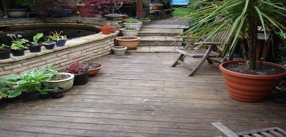 Wolverhampton-homeowners-decking-decking maintenance-decking cleaning-park home-holiday home-health hazard
