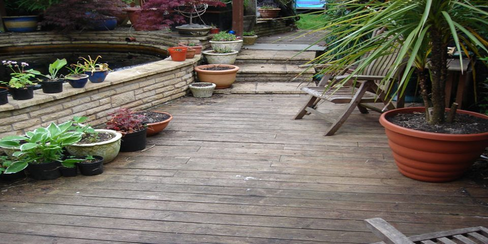 Wolverhampton-homeowners-decking-decking maintenance-decking cleaning-park home-holiday home-health hazard