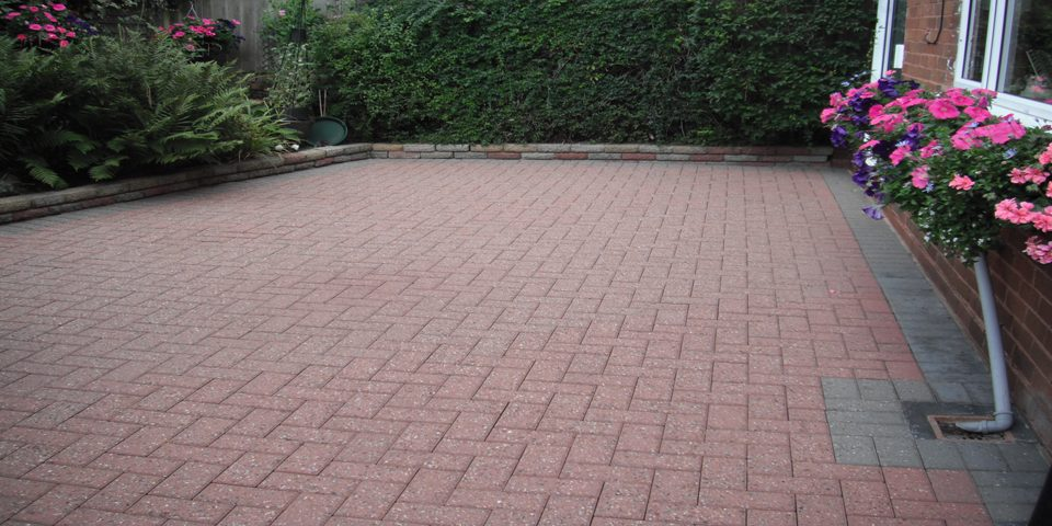 Wolverhampton Jet Wash Seal clean Driveway-Window cleaning services